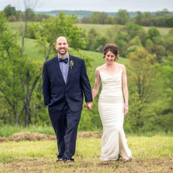 RUSTIC FARM WEDDING PHOTOGRAPHS : RIVERCREST FARMS - ZOAR, OH : SARAH + MICHAEL
